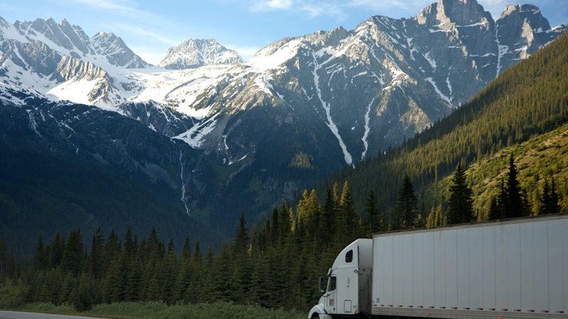 Jasa Trucking Terpercaya dan Aman